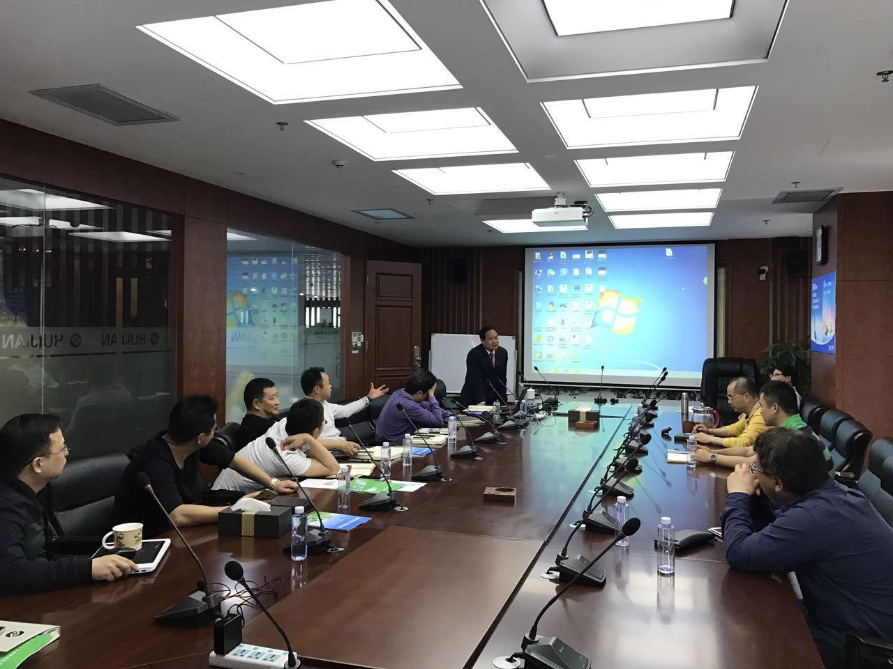 "Huijian marketing elites participate in professional training such as ""logistics transmission system"""